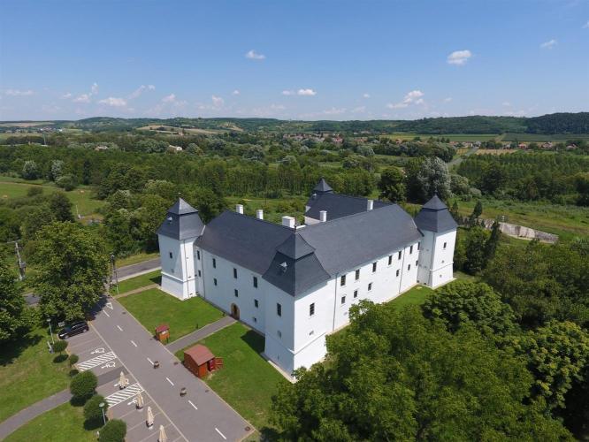 Az egervári Nádasdy–Széchényi-várkastély