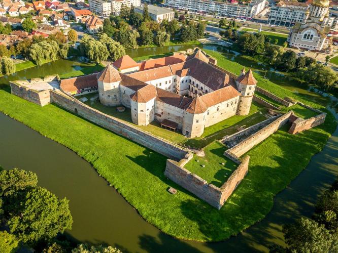 Fogaras várának története a XVI. század végéig  ( I. rész )