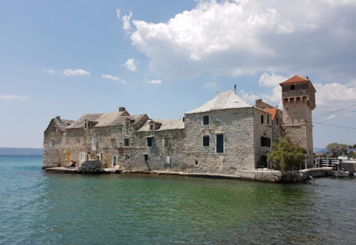 A Kastély öböl erődítései Dalmáciában I. rész