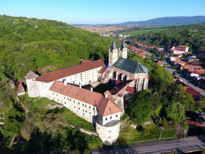 erődített kolostor