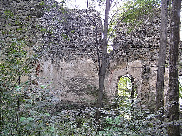 Raholca, vár alatti kastély