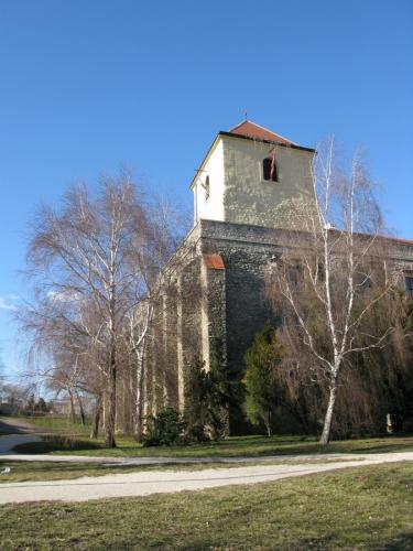 2f21d86450 A kuruc háború befejeztével a vár egy darabig még királyi erődítmény, de  már elvesztette hadi jelentőségét. Megkezdődött a feudális társadalmi rend  keretei ...