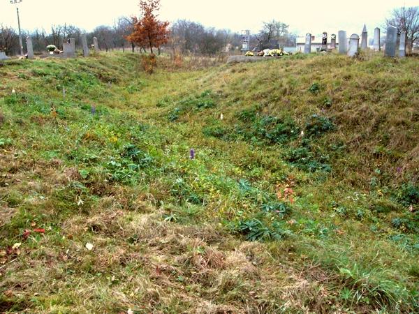 Várhegy, Pildankert, temető