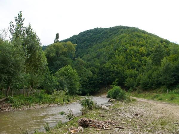 Valkó, Valčău
