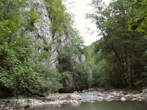 Almási barlangvár