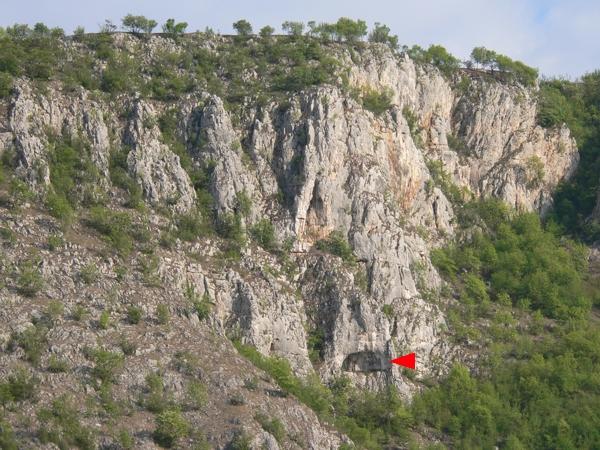 Alsó barlangvár
