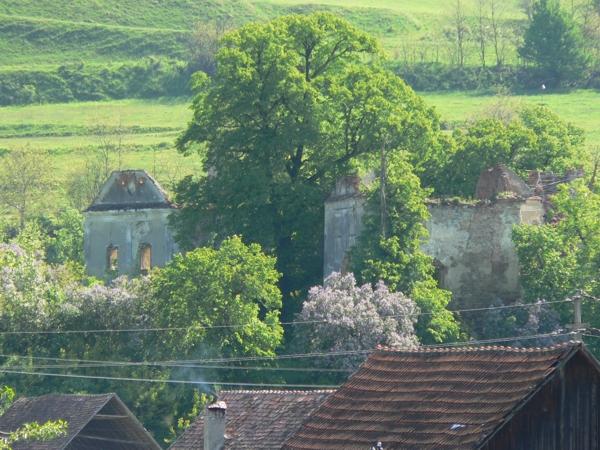 Toldi-várkastély