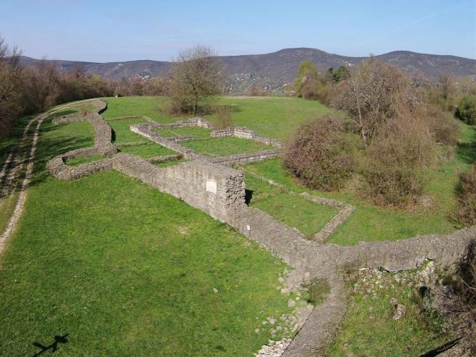 Sibrik-domb, ispánsági vár